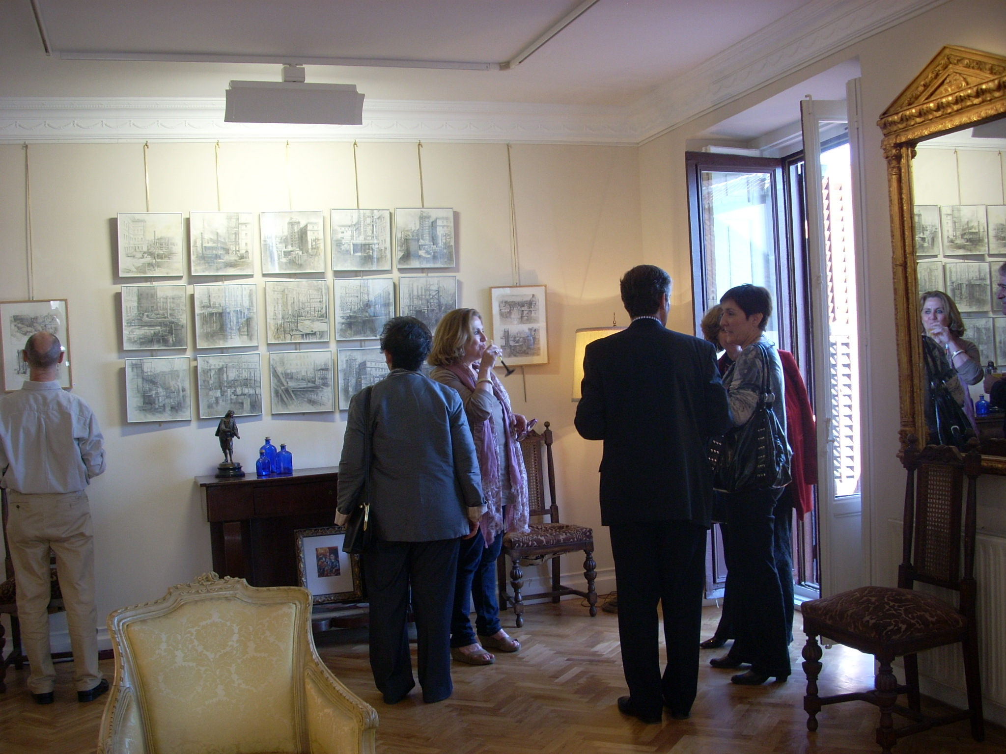 varios hub expo arte 135